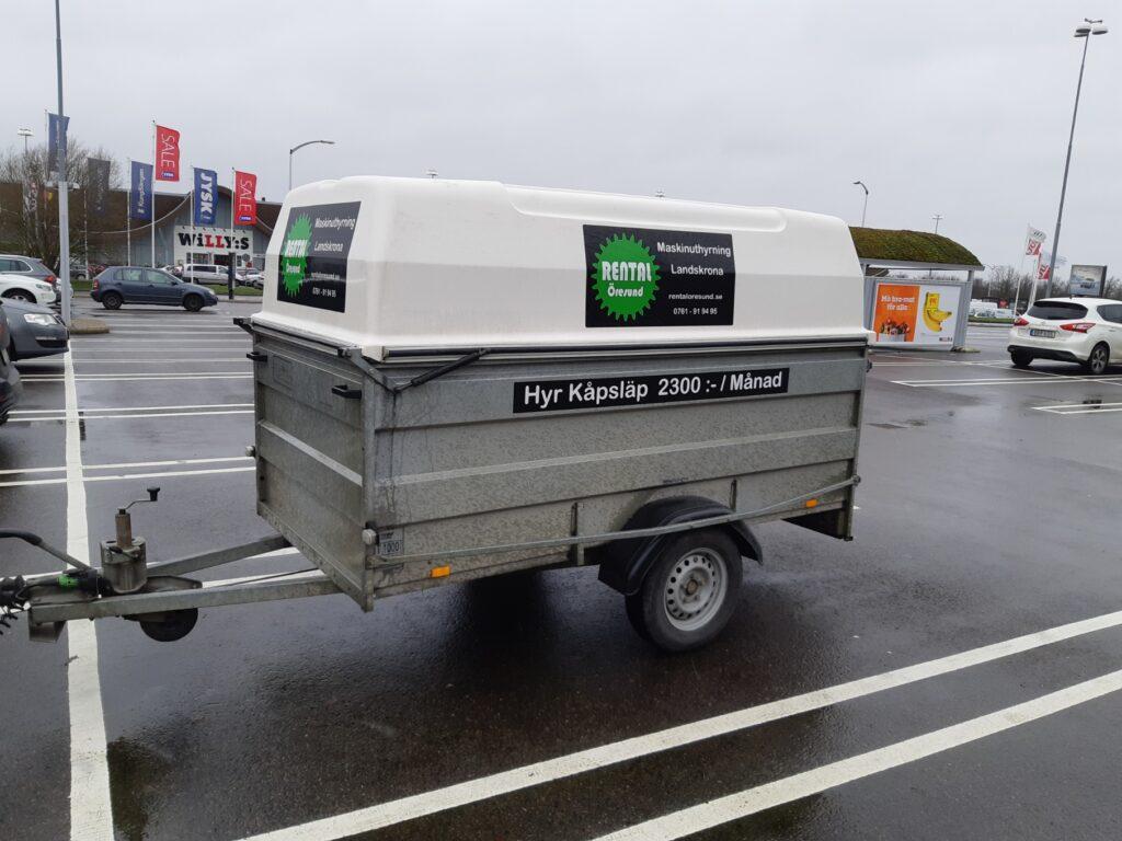 Kåpsläp ett täckt släp att hyra i Landskrona